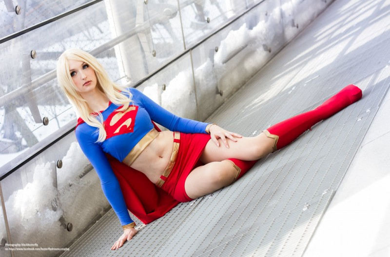 supergirl cosplays (11)