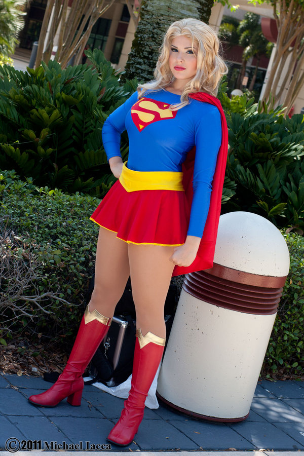 supergirl cosplays (14)