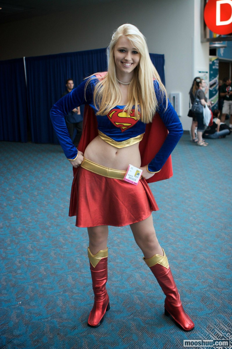 supergirl cosplays (16)