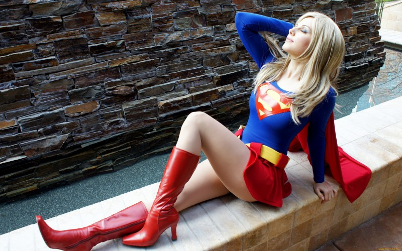 supergirl cosplays (17)