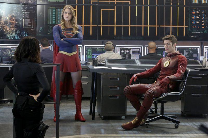 supergirl con flash