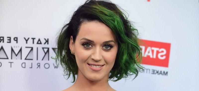katy-perry-pelo-verde-imagenes