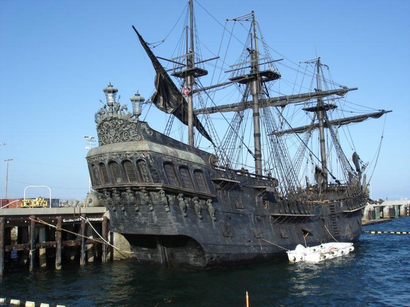 la-perla-negra-barco-real-piratas-del-caribe