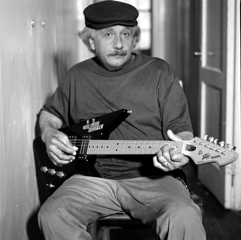 Albert-Einstein (10)