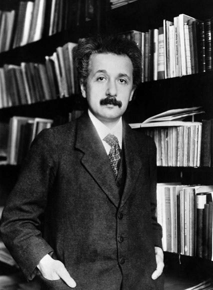 Albert-Einstein (5)