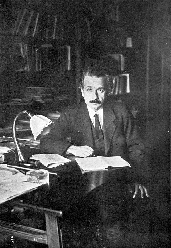 Albert-Einstein (6)