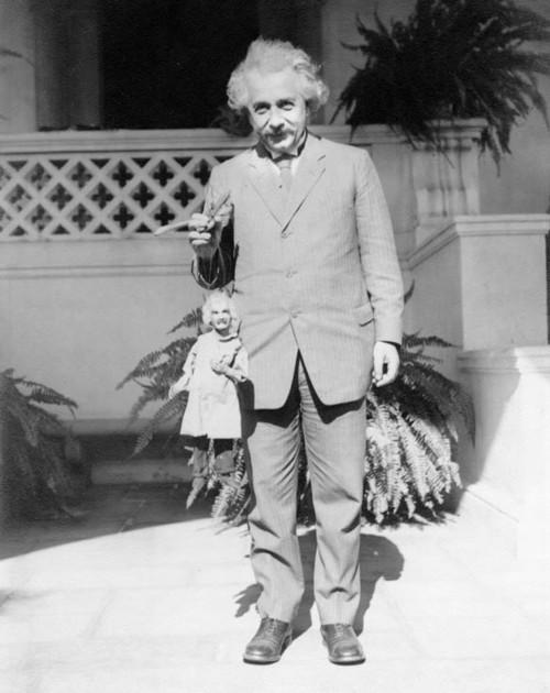 Albert-Einstein (8)