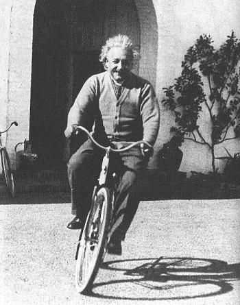 Albert-Einstein (9)