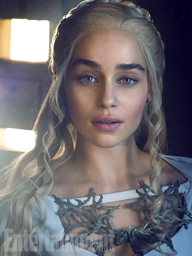 Emilia-Clarke (7)