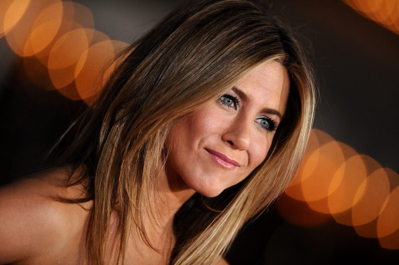 jennifer-aniston-wallpaper-2