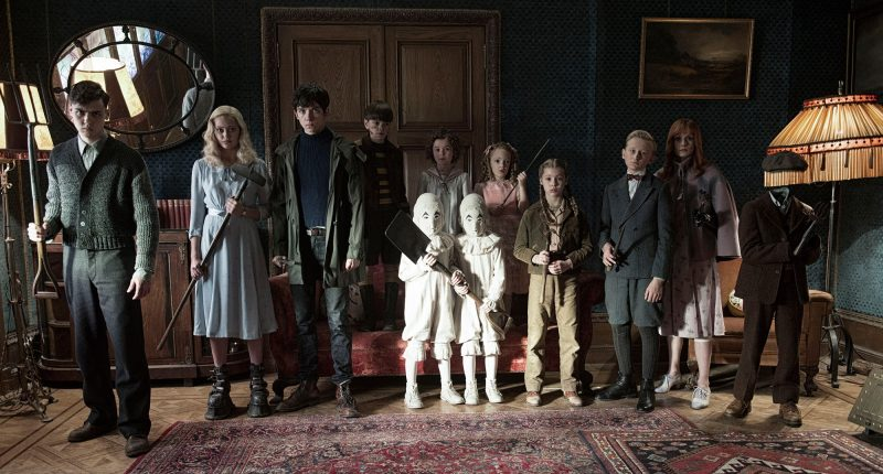 miss-peregrine's-home-for-peculiar-children-wallpapers-hd