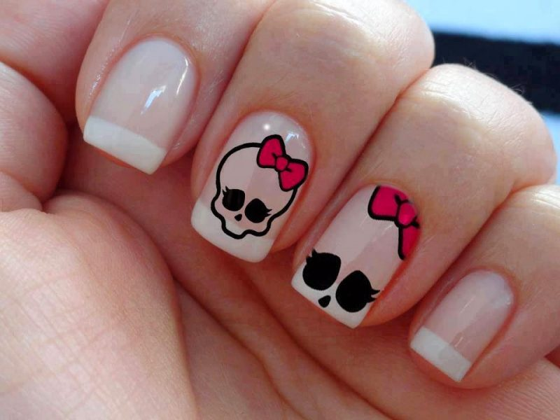 uñas-hello-kitty-halloween