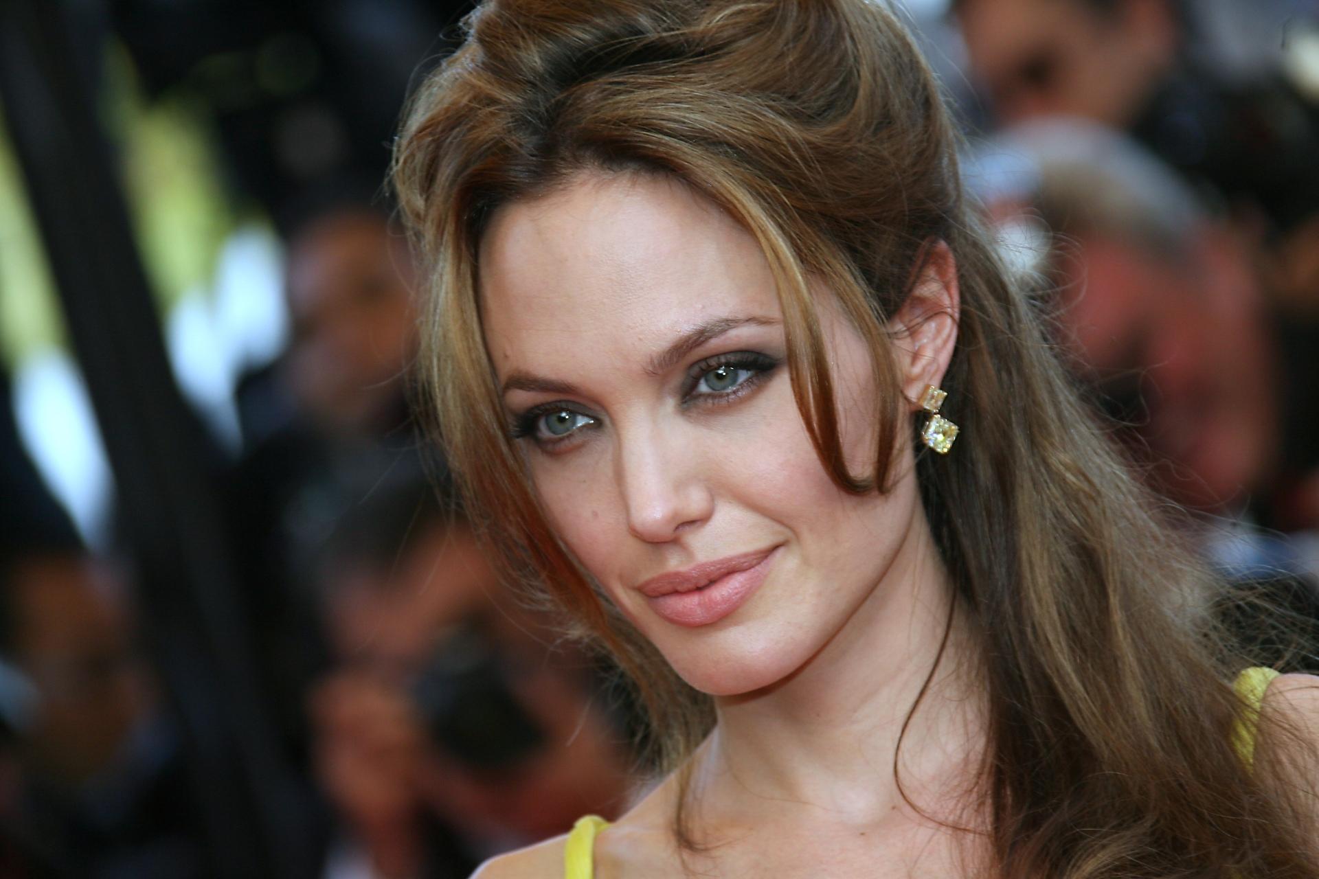 Angelina jolie ver foto chica desnuda gratis 7