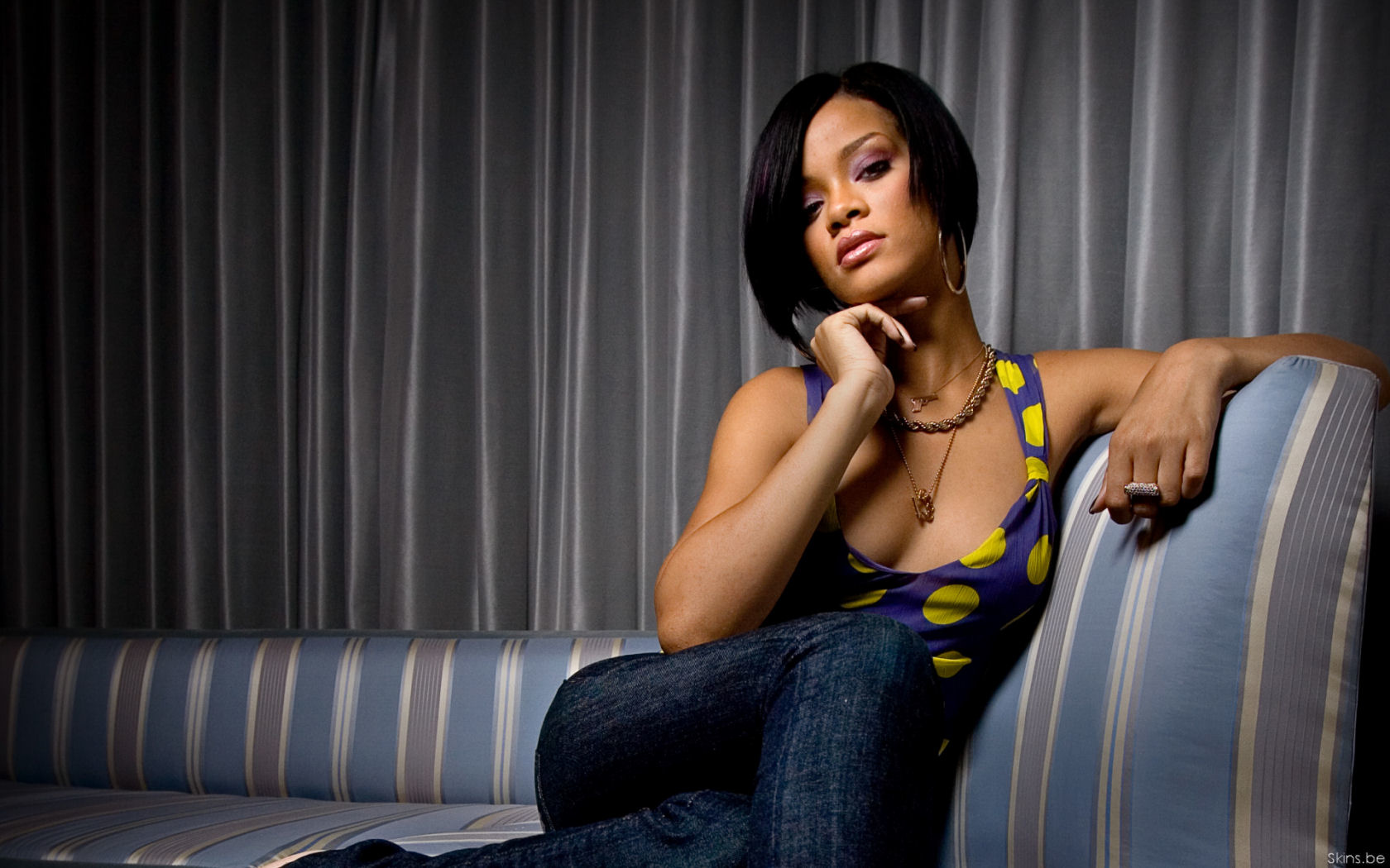photo de rihanna hot