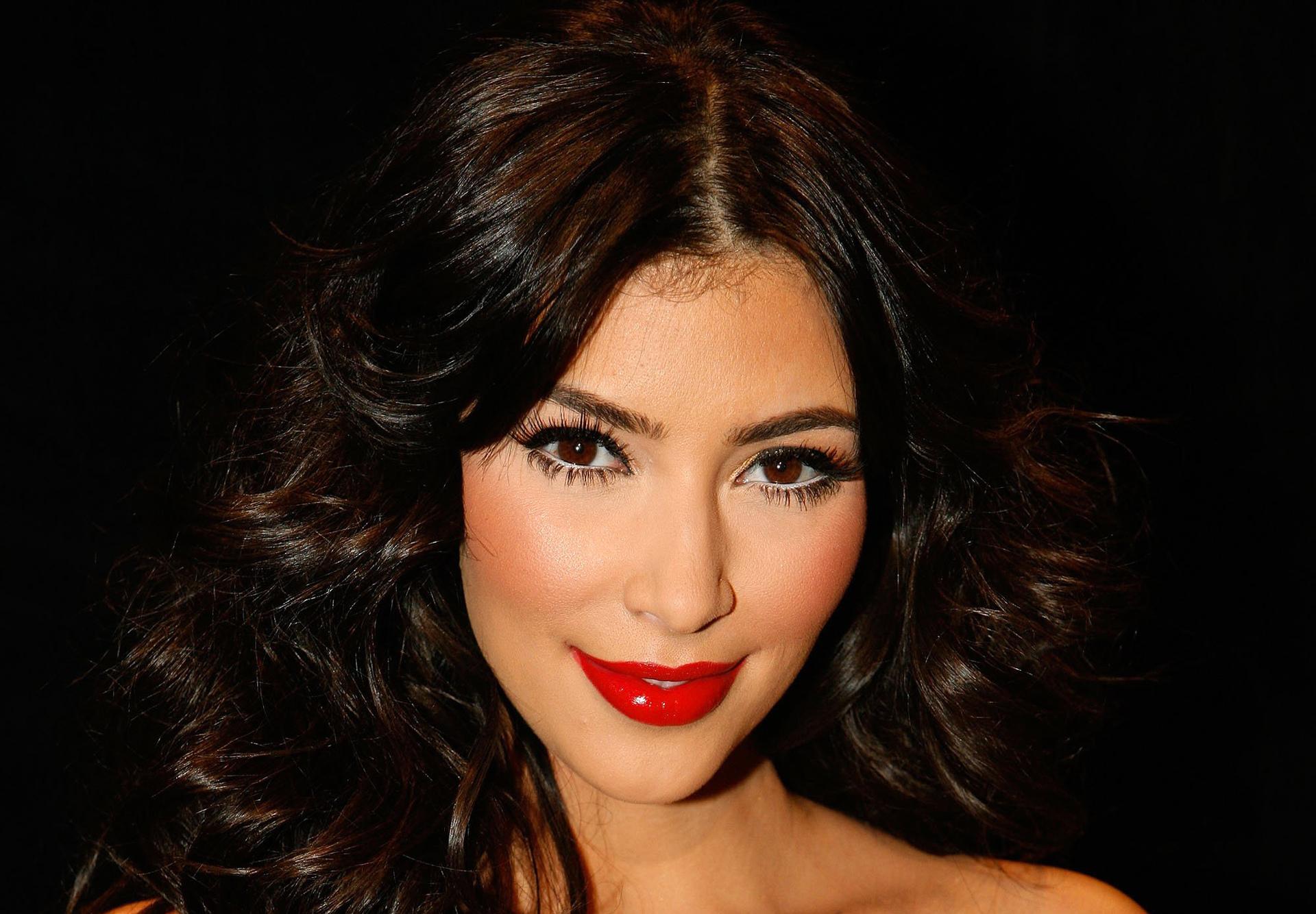 Fondos De Pantalla De Kim Kardashian Wallpapers Hd Gratis