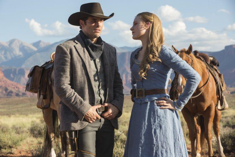 Dolores (Evan Rachel Wood) y Teddy (James Marsden) en la serie de Westworld, HBO