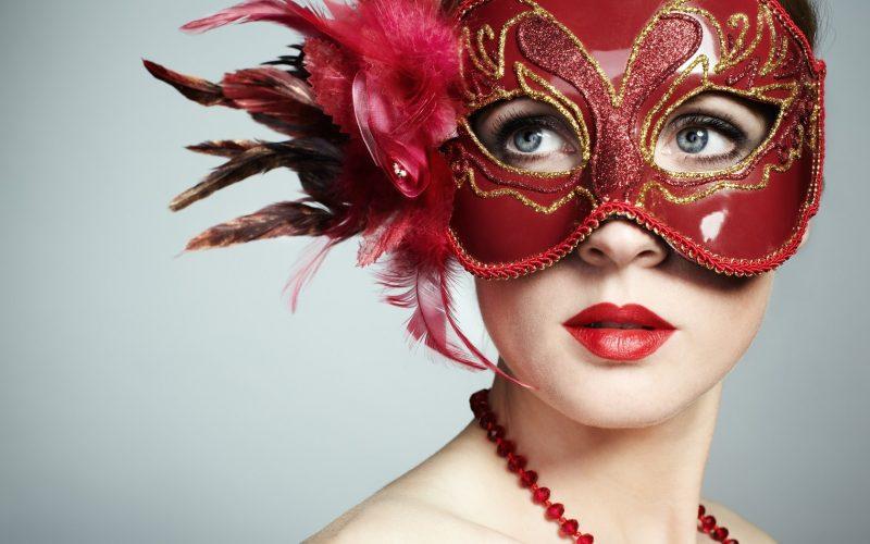 Chica con mascara de Carnaval