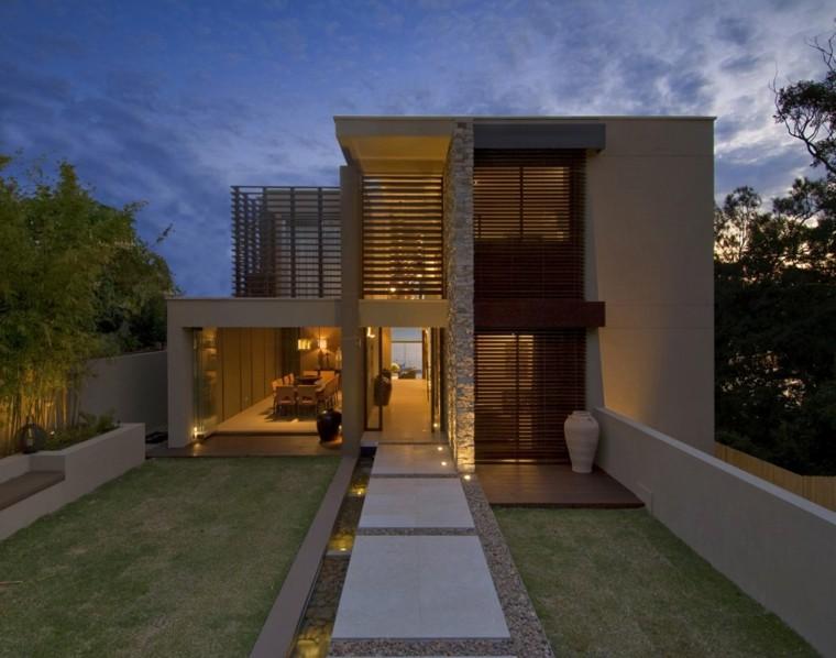 Fachadas de casas de piedra modernas cl sicas y minimalistas for Fachadas de casas modernas a desnivel