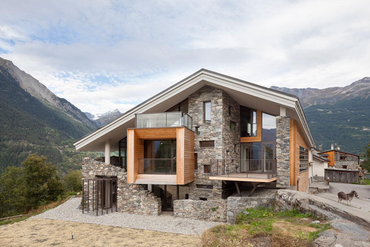 Fachadas de casas de piedra modernas cl sicas y minimalistas for Casas modernas revestidas en piedra